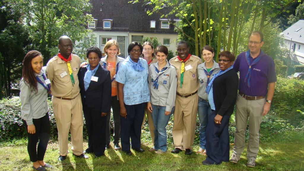 Die Gäste aus Simbabwe gemeinsam mit Vertretern der FG Afrika, der Bundeszentrale und der Bundesleitung.